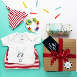 UNISEX & GENDER NEUTRAL BABY HAMPERS